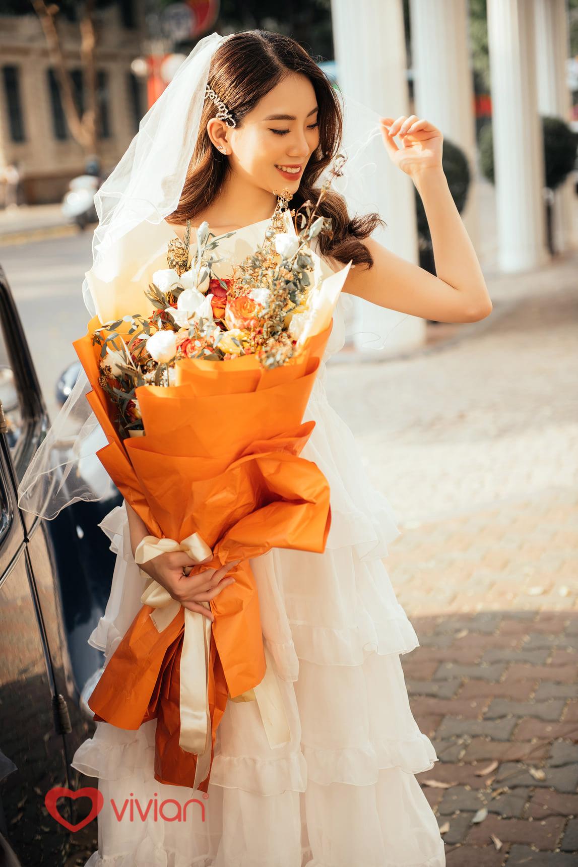 Chụp ảnh cưới ngoại cảnh nên mặc đồ gì