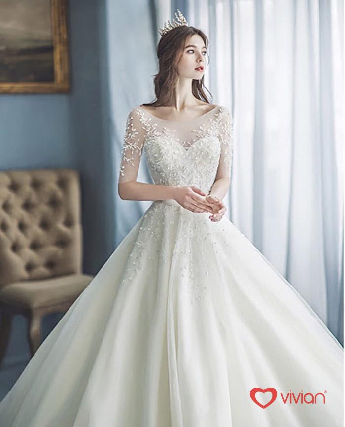 váy cưới cho cô dâu gầy cao