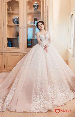 Mẫu váy cưới xòe bồng
