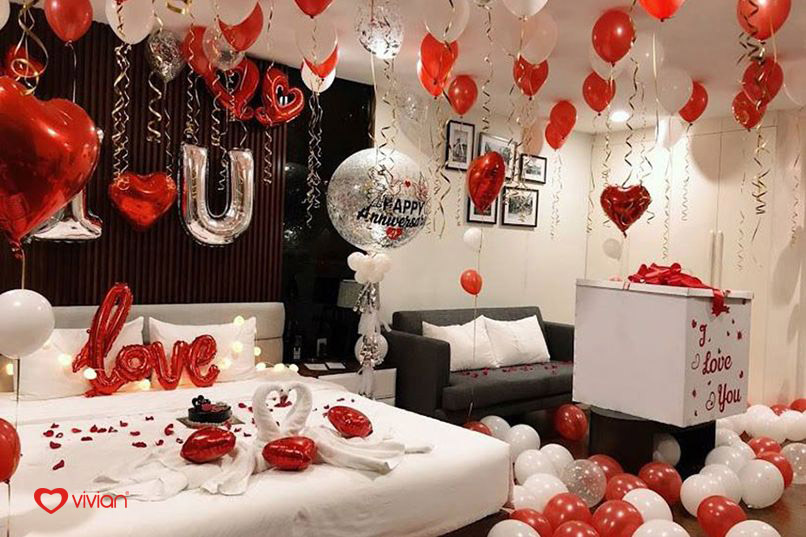trang trí phòng cưới bằng bong bay